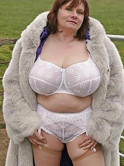 pretty hot mature underclothes pics