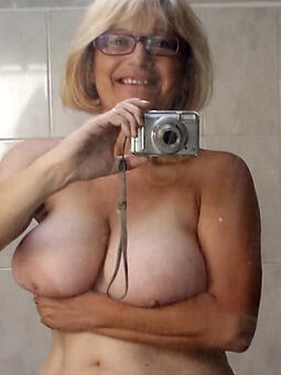 full-grown selfshot nude