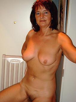 juggs off colour matured female