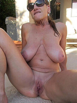 mature shaved pussy jollying