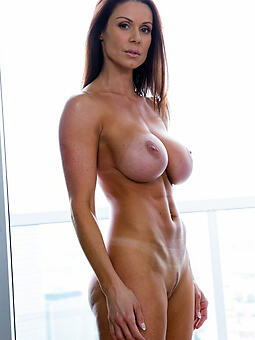 porn pictures of hot grown up mom