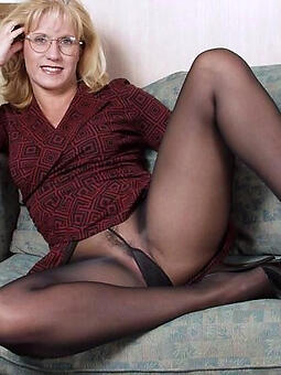 porn pictures for pantyhose moms