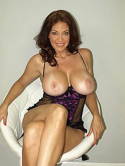 starkers pictures be fitting of mature erotic babes