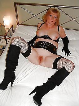 moms in heels free porn pics