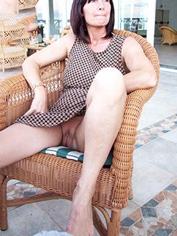 hooker glum mom legs pics
