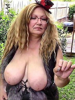 busty mature milf free undress pics