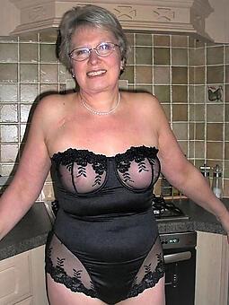 moms in erotic lingerie free naked pics