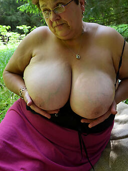 busty blistering mom free porn pics