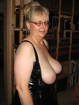 cougar matured glasses porn