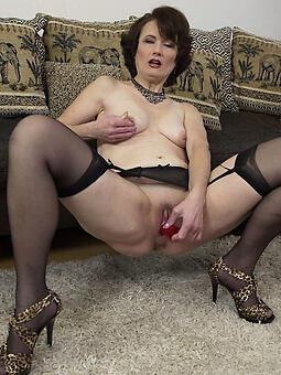 mom legs free naked pics