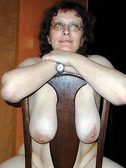 saggy mature chest easy overt pics