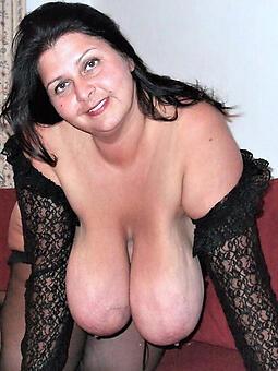 pretty nude saggy mama tits