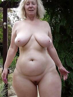 pretty sexy curvy strata pics