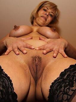 X-rated mature nipples free porn pics