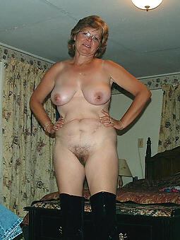 perfect overt mature housewife pussy