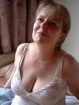 porn pictures of sexy hot full-grown mom