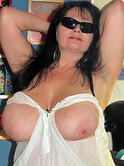 juggs hot big tits mom