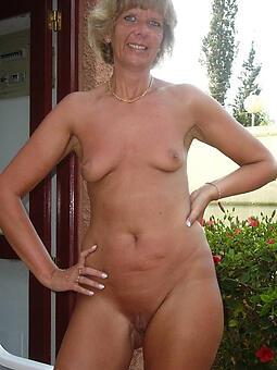 hotties sexy naked mom