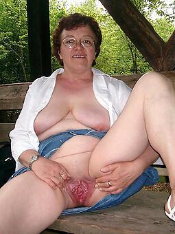 enticing granny ladies unconforming porn pics