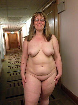 natural chubby moms undressed pics
