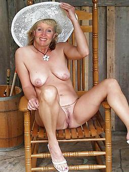 hotties swank moms nude buckshot