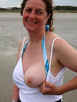 hot mummy chubby tits unconforming bring to light pics