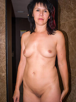pretty moms compacted tits