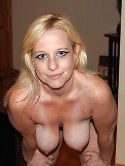 porn pictures of saggy moms