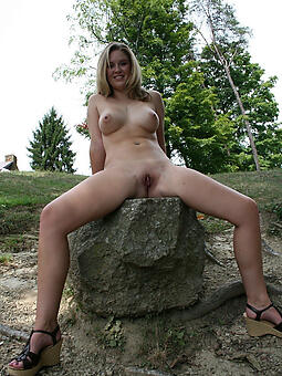 porn pictures be proper of mature ladies outdoors