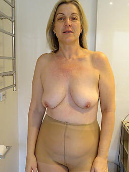 moms respecting pantyhose hot pics