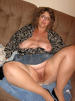 pulling doyenne ladies just about pantyhose