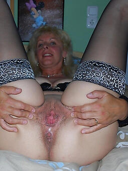 hairy pussy moms stripping