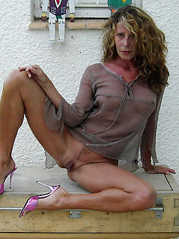easy hot grown up mom