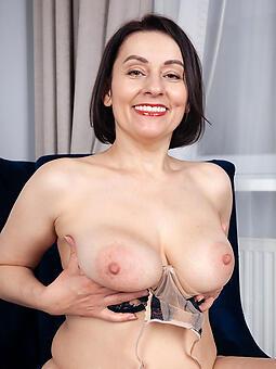 hot female parent tits unorthodox bared pics