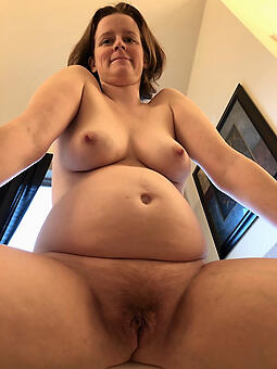 hot X-rated mature hairy cunts stripping