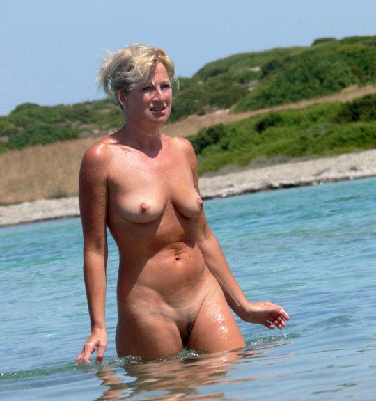 aged moms within reach the beach easy in the altogether pics