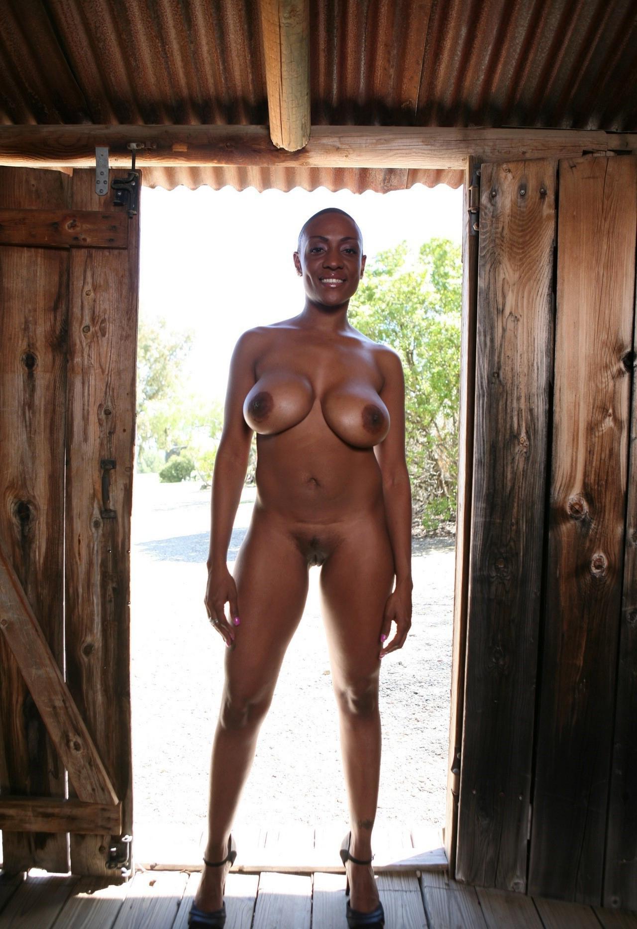 treacherous lady nudes tumblr