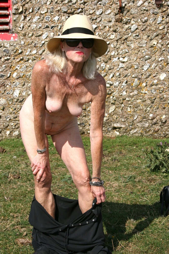 grown-up granny women free scant pics