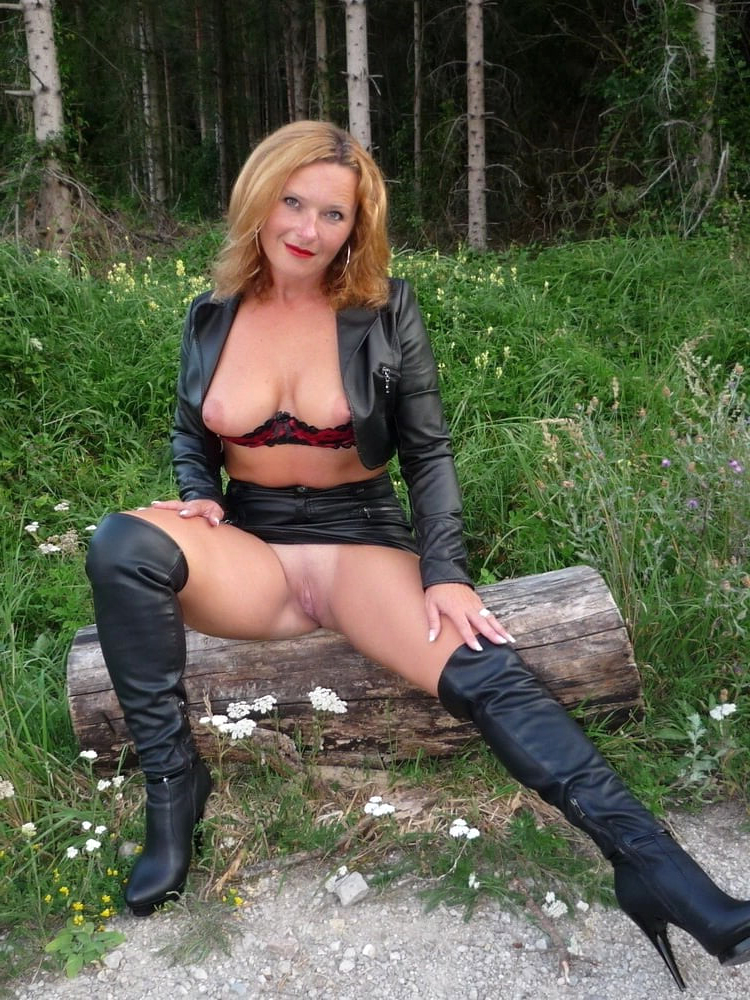 corrupt of age ladies hands nude pictures